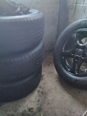 16 inch tires with black rim. All 4 wheels