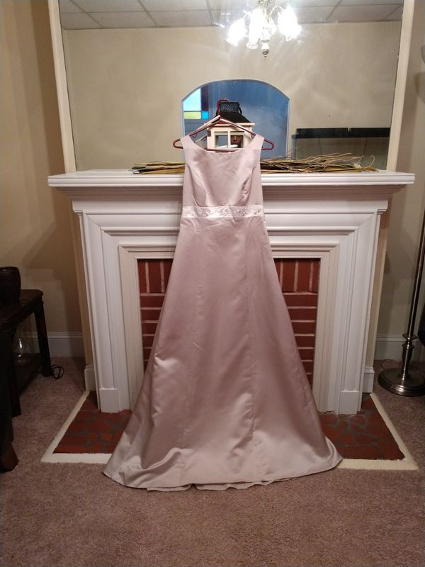 Size 8 David\'s Bridal Formal Gown (Clothing & Shoes) in Norfolk, VA ...