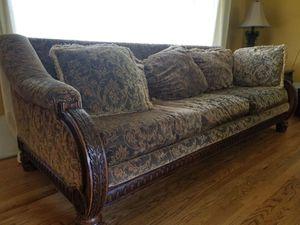 Beautiful wood sofa . MARLO FURNITURE