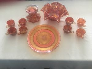 Vintage item from the 1910s Materials: Carnival Glass, Marigold Glass, Pressed Glass, Hobstar and Flower Pattern, Iridized Glass, 8 Cups with punch b