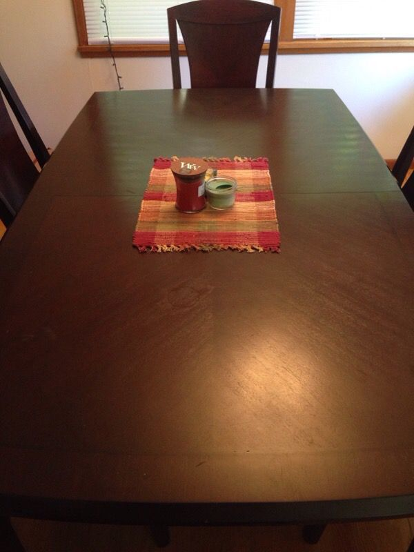 Dining room table furniture in seattle wa offerup for Furniture movers seattle