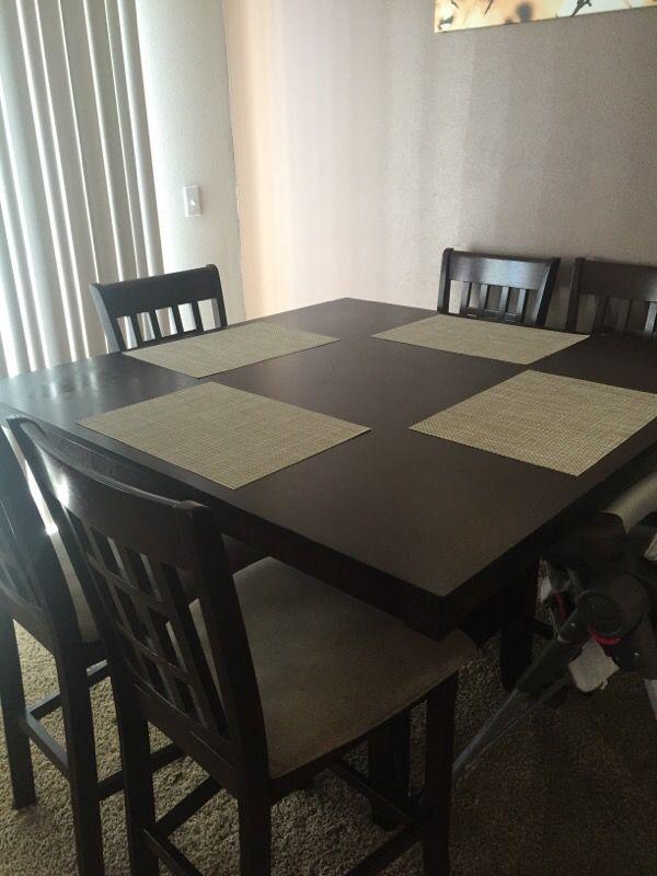 Table with 6 chairs furniture in auburn wa offerup for Furniture auburn wa