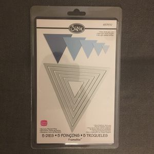 Sizzix Framelit triangle dies - 5 sizes - NEW