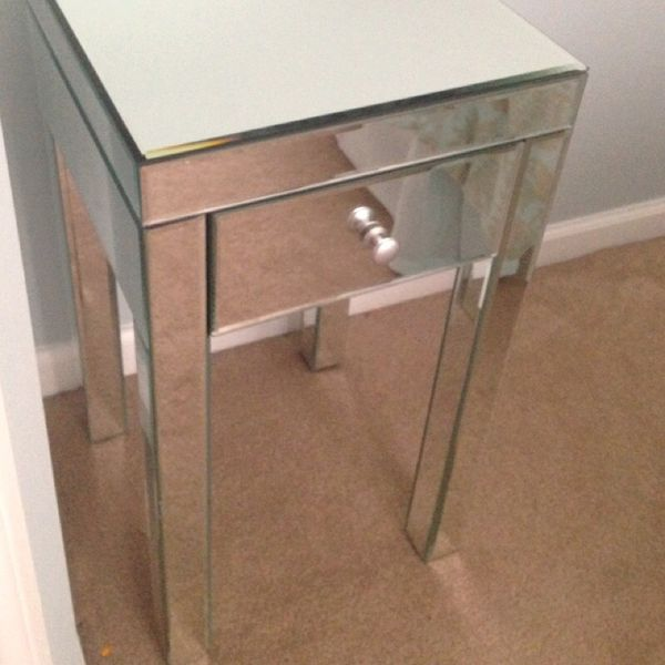 Mirror nightstand furniture in chicago il offerup for Furniture 60614
