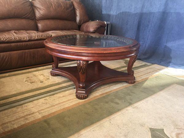 Coffee table furniture in lynnwood wa offerup for Furniture lynnwood washington