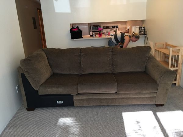 Sectional couch section furniture in seattle wa offerup for Furniture movers seattle