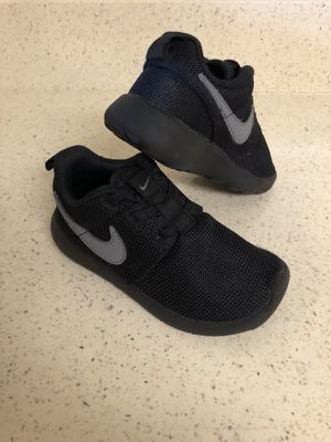 Nike shoes size 9C.