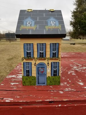Hand painting wood house box