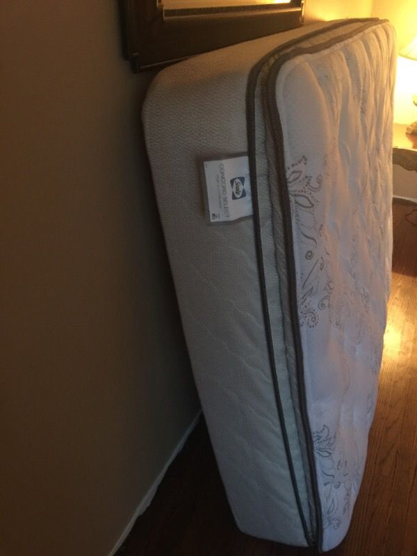 Sealy pillowtop FULL size mattress built in boxspring Furniture