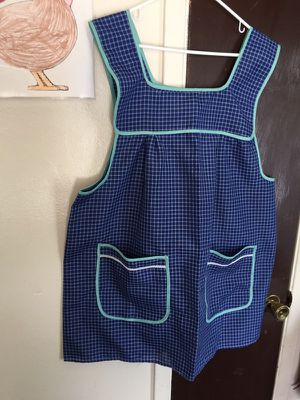 Brand new apron one size. Only serious buyers no delivery