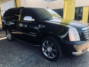 cadillac escalade-con down payment de $4000 in house financing