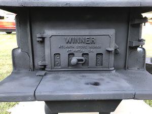 Excellent Condition: Winner Atlanta Stove Works 8316 Stove