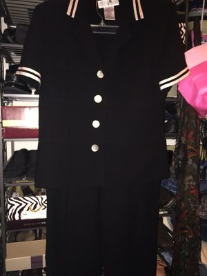 Ladies 2-piece Pant Suit Size 14