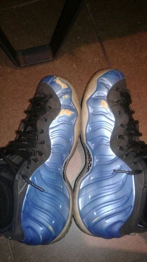 Blue fomes size 9.5