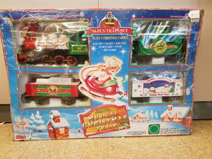 17 pcs Battery Operated Christmas Train
