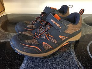 Merrell boys shoes - youth size 4.5