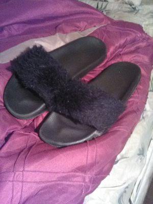 Fur flops size 11