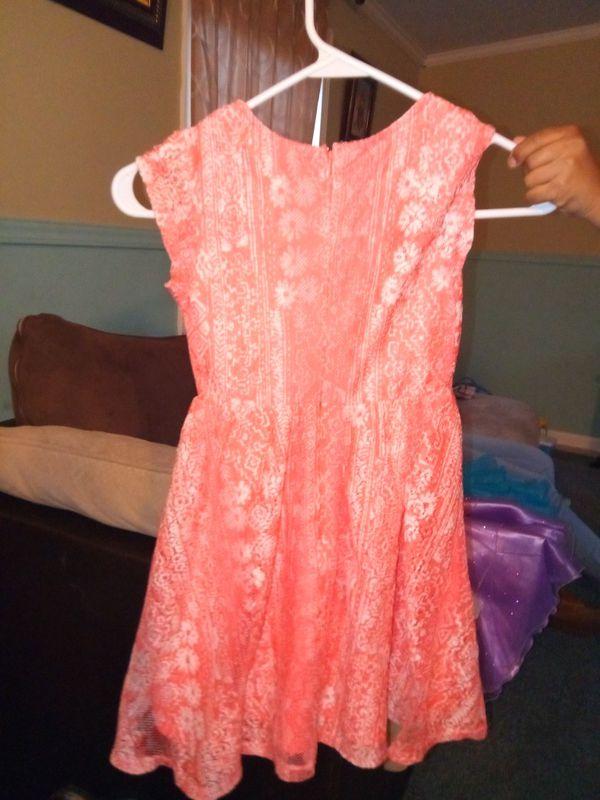 Vestido para niña size s 6 (Baby & Kids) in Raleigh, NC - OfferUp