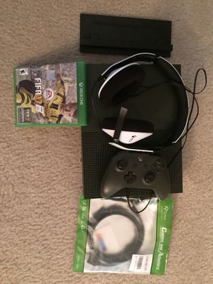 XBOX ONE 1TGB like new. Price is not negotiable
