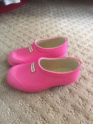 Girl's pink Hunter shoes
