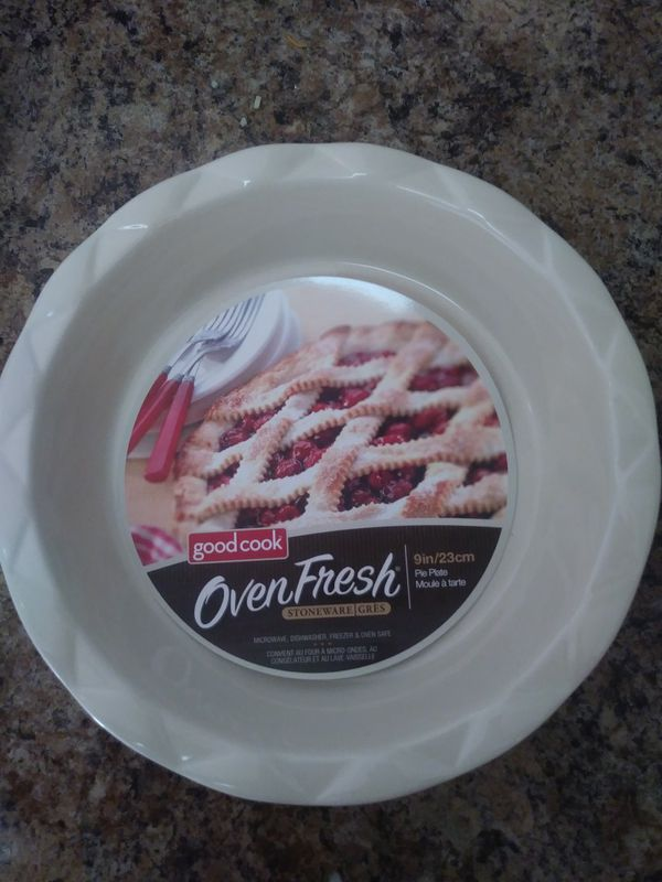 Good cook oven fresh stoneware pie plates (Household) in Menifee, CA