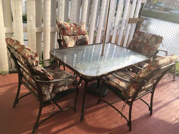 Juego de muebles para patio o terraza (Furniture) in Miami, FL - OfferUp