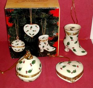 3 PORCELAIN CHRISTMAS ORNAMENTS open up Box Set