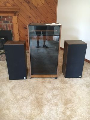 Stereo cabinet w/2speakers