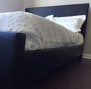 Black King Bed