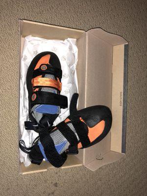 Rock climbing shoes US6.5