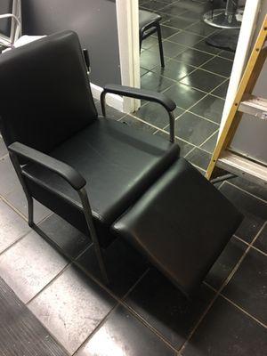 Salon shampoo chair