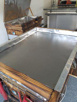Custom built roasting box or BBQ smoker