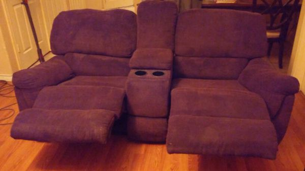 Couch and love seat w 4 reclining seats furniture in sachse tx offerup - Ways of accessorizing love seats ...