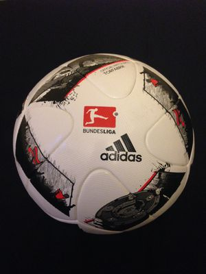 FIRM $70!!!! EXCLUSIVE & LIMITED. NEW. AUTHENTIC. BUNDESLIGA SOCCER BALL. FIFA. SIZE 5.