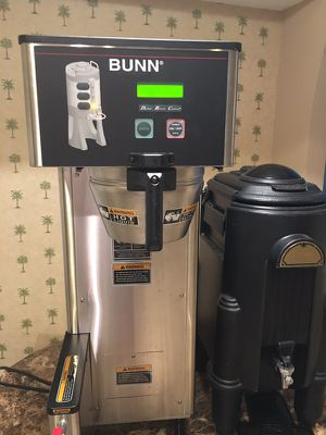 Bunn BrewWise Single Thermo Fresh Coffee Brewer and Container