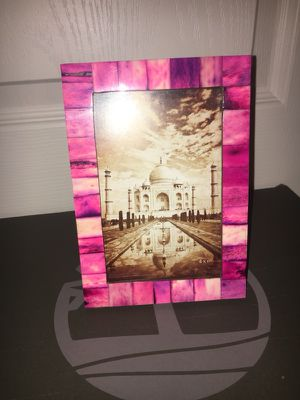 Picture frame never been used! So pretty but I have no place for it