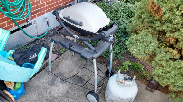 used weber q1200 grill with stand indestructible general in louisville ky offerup. Black Bedroom Furniture Sets. Home Design Ideas