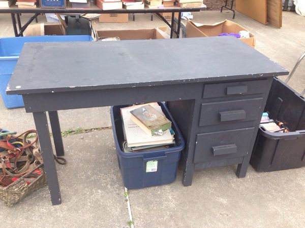 Wood black desk furniture in bellingham wa offerup for Furniture in bellingham wa