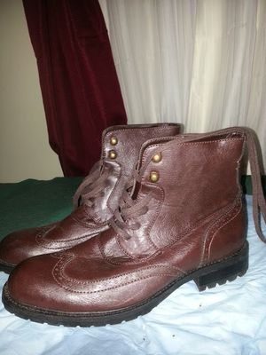 Boots brawn size 8.5 new I'm pay more$300 in California only sale in $125 full price no negotiable