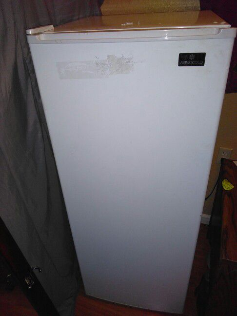 Absocold mini/apartment size fridge and freezer combo (Appliances ...
