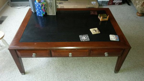 Coffee table furniture in everett wa offerup for Furniture in everett wa