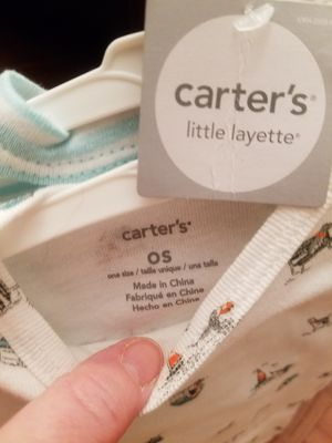NEW two pc Carter's Layette w/tag
