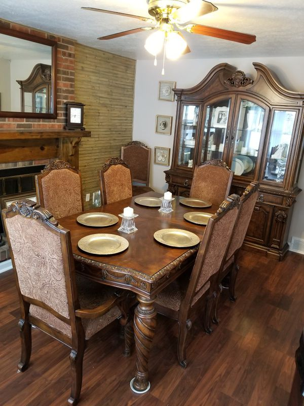 North Shore Dining Room Furniture In Louisville KY