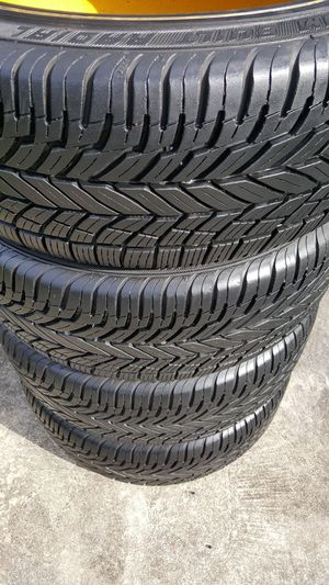 235/55/17 VOGUE WHITE WALL TIRES RARE 99% TREAD EXCELLENT