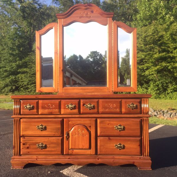 Vaughan Dresser with Mirror