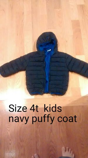 Size 4T Navy puffy Coat from Crazy 8 - great condition