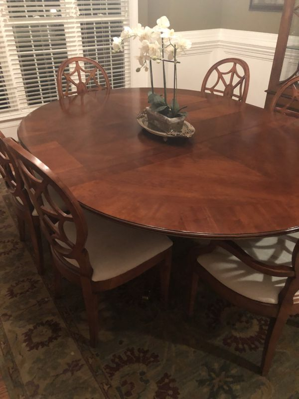 Elaborate Cherry Finish Dining Room Table And Six Chairs By Lane Furniture