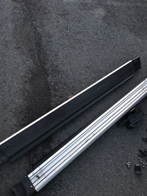 Estribos seminuevos para Toyota RAV4