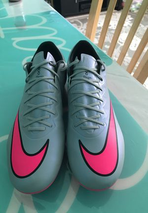 Nike ACC Soccer shoes size 9.5