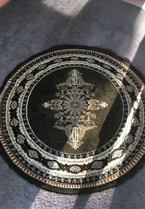 Green and gold accent rug circular like new